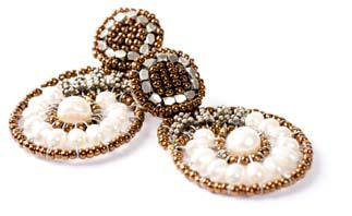 Pearl earrings by Ziio