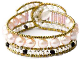 Classic pink pearl bracelet by Ziio